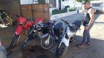 en un taller de kilometro 3 secuestraron cuatro motos