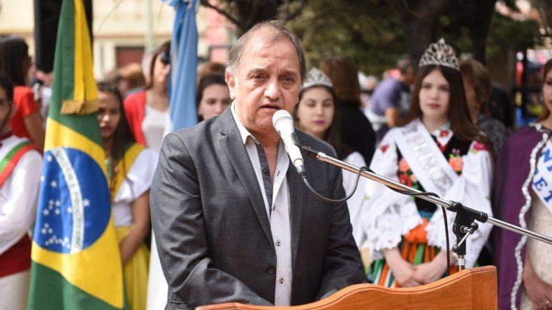 Linares: está claro que con el petróleo solamente no alcanza