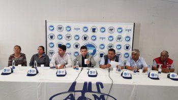 La conferencia de prensa que se realizó ayer en la sede de Petroleros Privados.