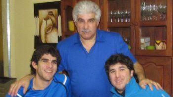 Caffaro el original -centro- junto a sus colegas e hijos Andrés -izq- y Juan Pablo.