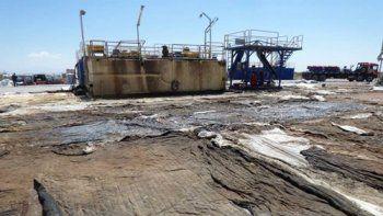 greenpeace denuncia que arrojan desechos del fracking sobre el suelo