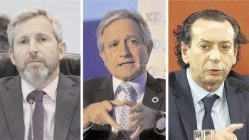 Frigerio, Ibarra y Sica son tres de los funcionarios que estarían flojos de papeles.