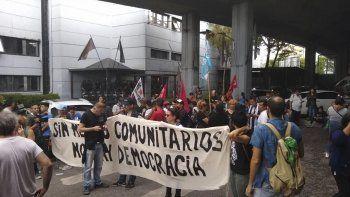 Cansados de esperar respuesta a sus demandas, comunicadores populares tomaron pacíficamente instalaciones de Canal 13.