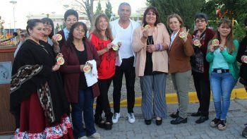 Las integrantes de la Asociación de Mujeres del Arte Popular resaltaron la iniciativa del presidente de la comisión de fomento, Jorge Soloaga.