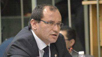 El proyecto del diputado Víctor Álvarez, rechazando la implementación del sistema de transporte Uber en Santa Cruz, fue avalado por unanimidad.