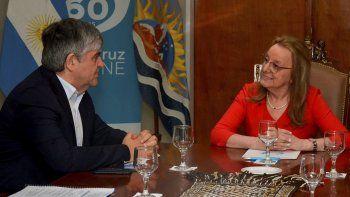 Miguel Gutiérrez y otros altos directivos de YPF fueron recibidos ayer por la gobernadora Alicia Kirchner e integrantes de su gabinete.
