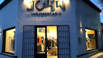 robaron 400 mil pesos en mercaderia de un local de ropa