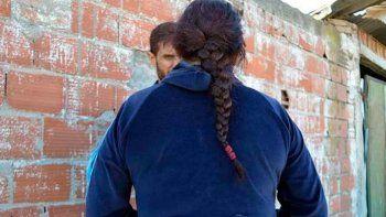 la madre de la joven que mato a su abusador aseguro que su hija se defendio