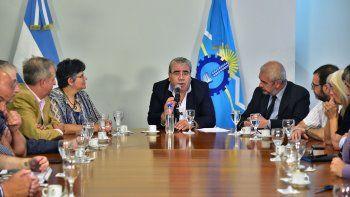 Los ministros Paz y Chicala presidieron el acto de apertura de ofertas.