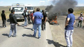El bloqueo a la Ruta 12 se extendió por más de dos horas y generó situaciones de tensión, motivando que intercediera la policía.