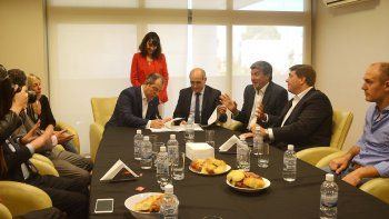 El convenio de la Legislatura de Chubut fue con el vicegobernador de Buenos Aires.