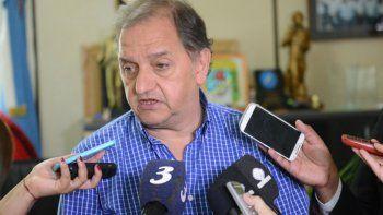 Carlos Linares espera definiciones del Gobierno provincial.