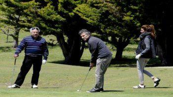 Macri se aumentó el sueldo mientras sigue de vacaciones