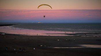 La playa de Las Grutas aparece como una de las mejores de Sudamérica