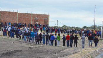Dos mil personas movilizadas por un trabajo en una planta pesquera