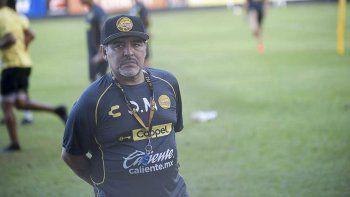 Maradona arremetió con todo contra el presidente de AFA