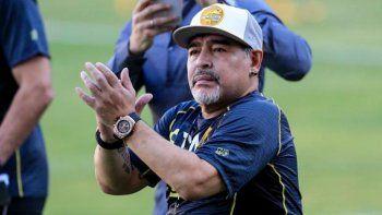 Maradona consiguió el alta pero tendrá que pasar por el quirófano