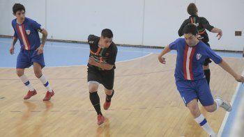 El torneo Clausura de fútbol de salón se reanudará mañana en el gimnasio municipal 1.