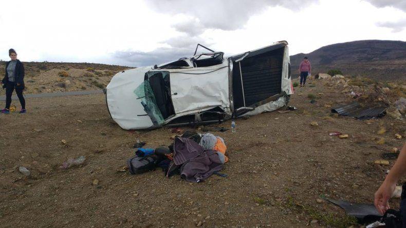 Cuatro jóvenes de Comodoro volcaron en Ruta 26