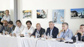 La reunión que sectores de la Pesca y la Industria Naval mantuvieron ayer en Puerto Madryn con la presencia del presidente Mauricio Macri.
