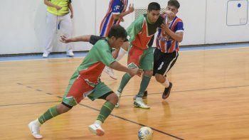 Con tres partidos de la categoría A continuará esta noche la fase regular del torneo Clausura de fútbol de salón de Comodoro Rivadavia.
