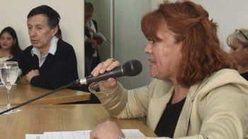 Elizabeth Jara hizo ayer su debut como concejal, reemplazando a Juan José Naves, quien renunció a su banca.