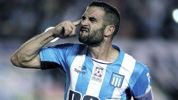 Lisandro López, el capitán y experimentado jugador de Racing que esta noche se medirá con Central en Mar del Plata.