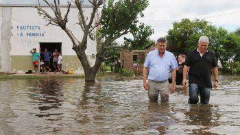 mas de 7.600 personas  continuan evacuadas