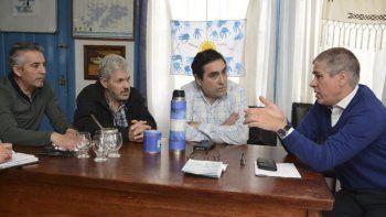 El vicegobernador Pablo González se reunió ayer con veteranos de guerra residentes en Río Gallegos para coordinar la organización de un congreso provincial en Puerto Santa Cruz.