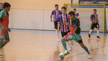 Rotisería Jamemú fue el mejor de la fase regular del torneo Clausura de futsal y esta noche comienza a jugar los cuartos de final.