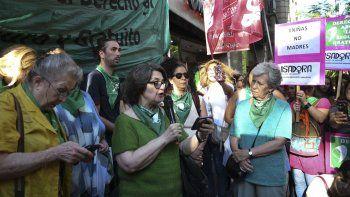 piden la renuncia del ministro de salud jujeno por la cesarea a nina violada