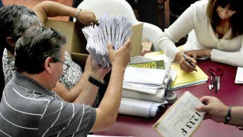 El Tribunal Electoral busca garantías para que no haya obstáculos en la campaña preelectoral en la región afectada por el hantavirus.