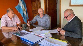 provincia reactivara obras de las escuelas 477 y cordon forestal
