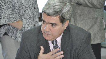 El procurador general de Chubut también rechazó el DNU de Macri que anunció el lunes con bombos y platillos.