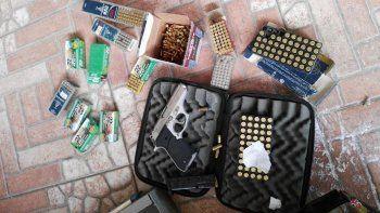 Incautaron armas y proyectiles tras una serie de allanamientos en el barrio San Cayetano