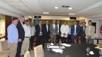 En Casa del Chubut en Buenos Aires se realizó una reunión para diagramar los pedidos que se realizarán en la mesa nacional para mantener la actividad en la región.