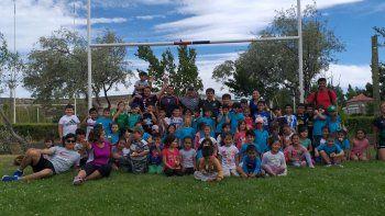 Los chicos de las Colonias tienen su primer contacto y experiencia con el rugby