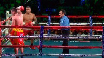 Insólito: un boxeador argentino se cansó y dejó el ring en plena pelea