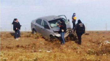 Murió una mujer tras volcar con su auto en Ruta 3