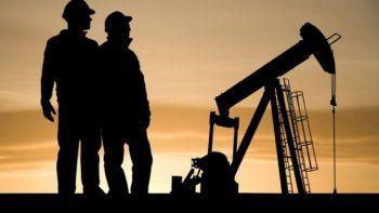 Quieren crear un aguinaldo petrolero para trabajadores neuquinos