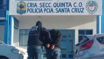 Uno de los detenidos en los allanamientos de ayer quedó alojado en la comisaría ubicada en el barrio Rotary 23.