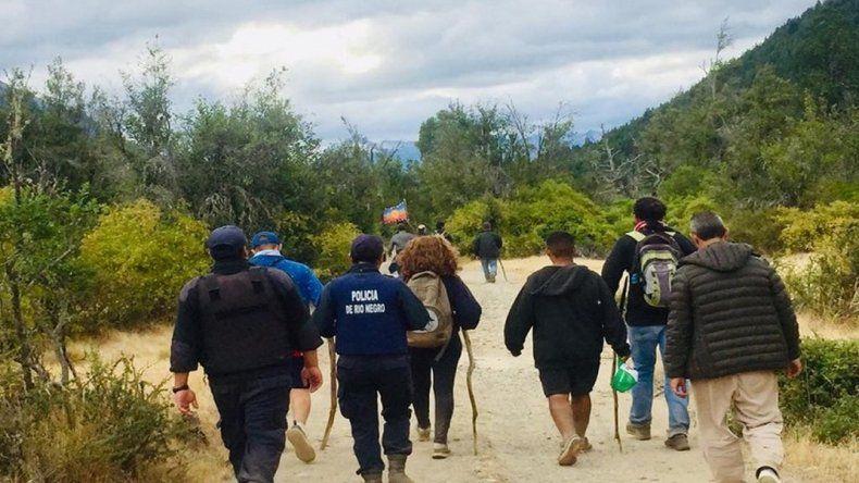 Ejército privado de Lewis atacó a ambientalistas que navegaban en el Lago Escondido