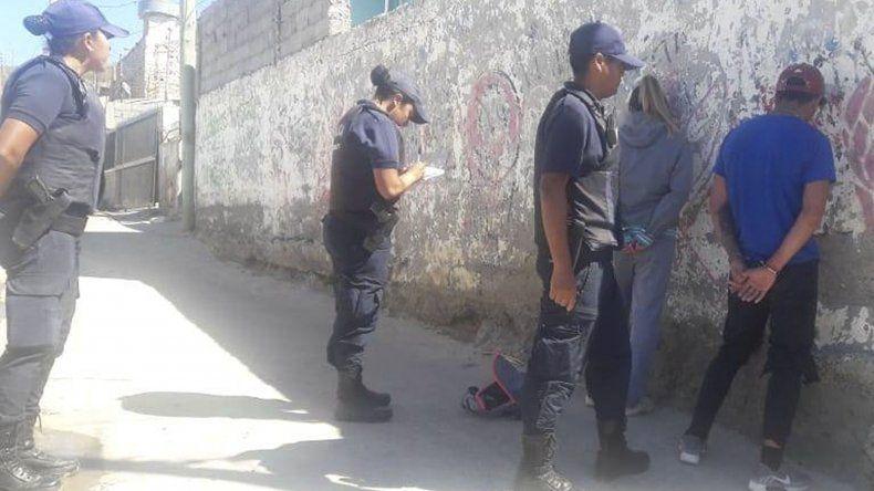 Policías de la Seccional Segunda detuvieron a los dos hermanos Gallardo por el tiroteo.