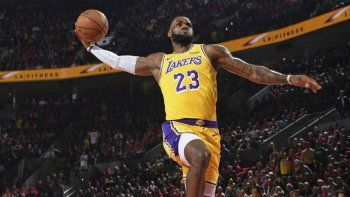 LeBron James es la estrella de Los Angeles Lakers.