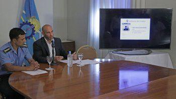 La presentación en Rawson corrió por cuenta del ministro Massoni y el jefe de Policía, Miguel Gómez.