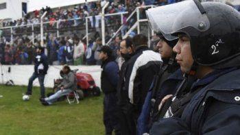 cien policias custodiaran el clasico comodorense