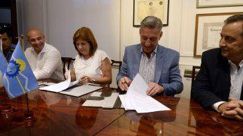 chubut firmo convenio de cooperacion para controlar a extranjeros con pedido de captura