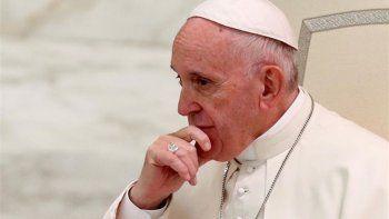 el papa encabeza la primera cumbre antipederastia