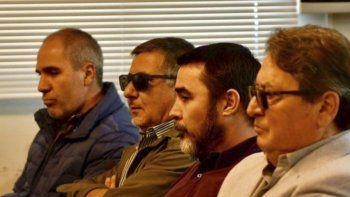 Los imputados al escuchar ayer la resolución del juez Piñeda.