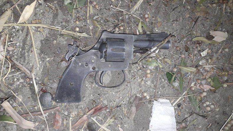 El revólver que secuestró la policía.